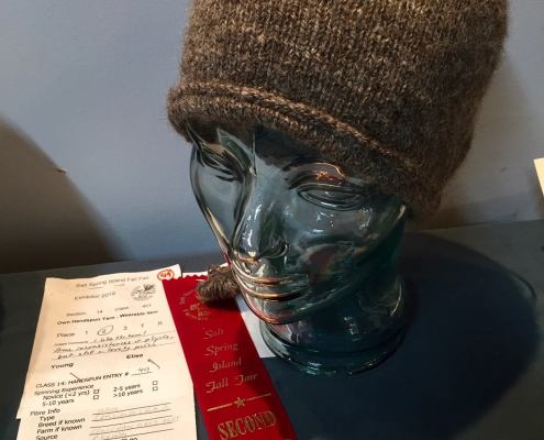 Handspun and knitted hat by Elise