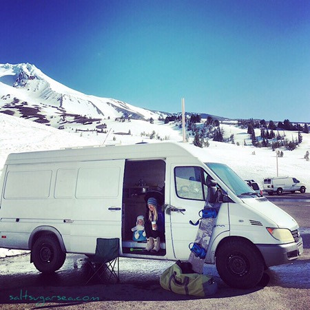 Vanlife travels Snowboard with baby in Oregon