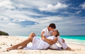 Loving-Couple-On-Beach-Love-Wallpaper-650x415