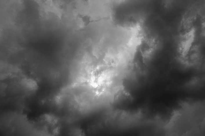 lunar-eclipse-clouds