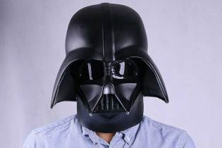 Star Wars actors apologise for playing racist Darth Vader