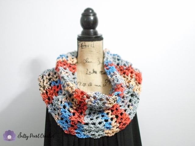 Full View of the Sunrise Sky Mesh Cowl Crochet Pattern by Salty Pearl Crochet