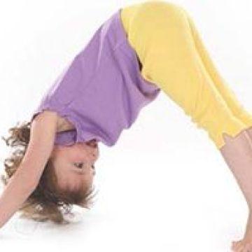 Los 7 beneficios del yoga para niños