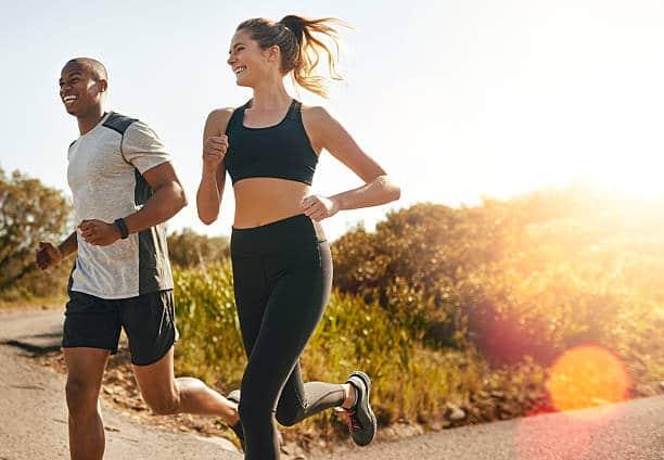 hacer ejercicio regularmente