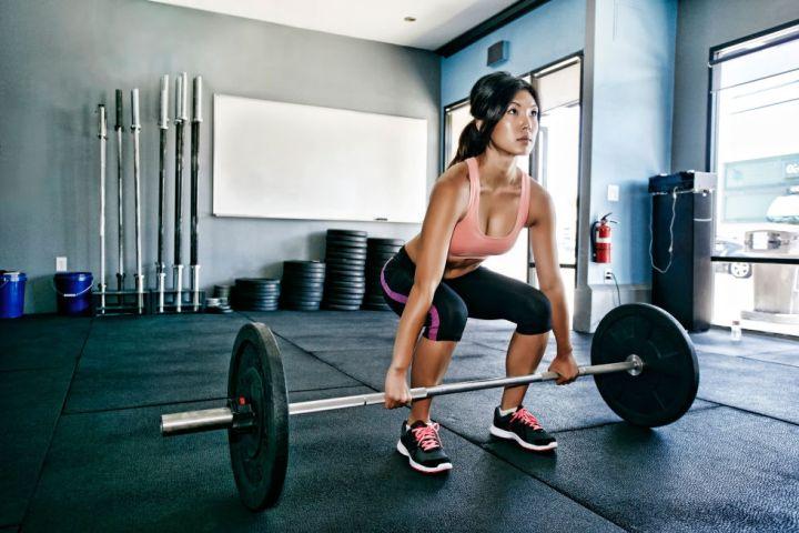 Peso ejercicios de entrenamiento de