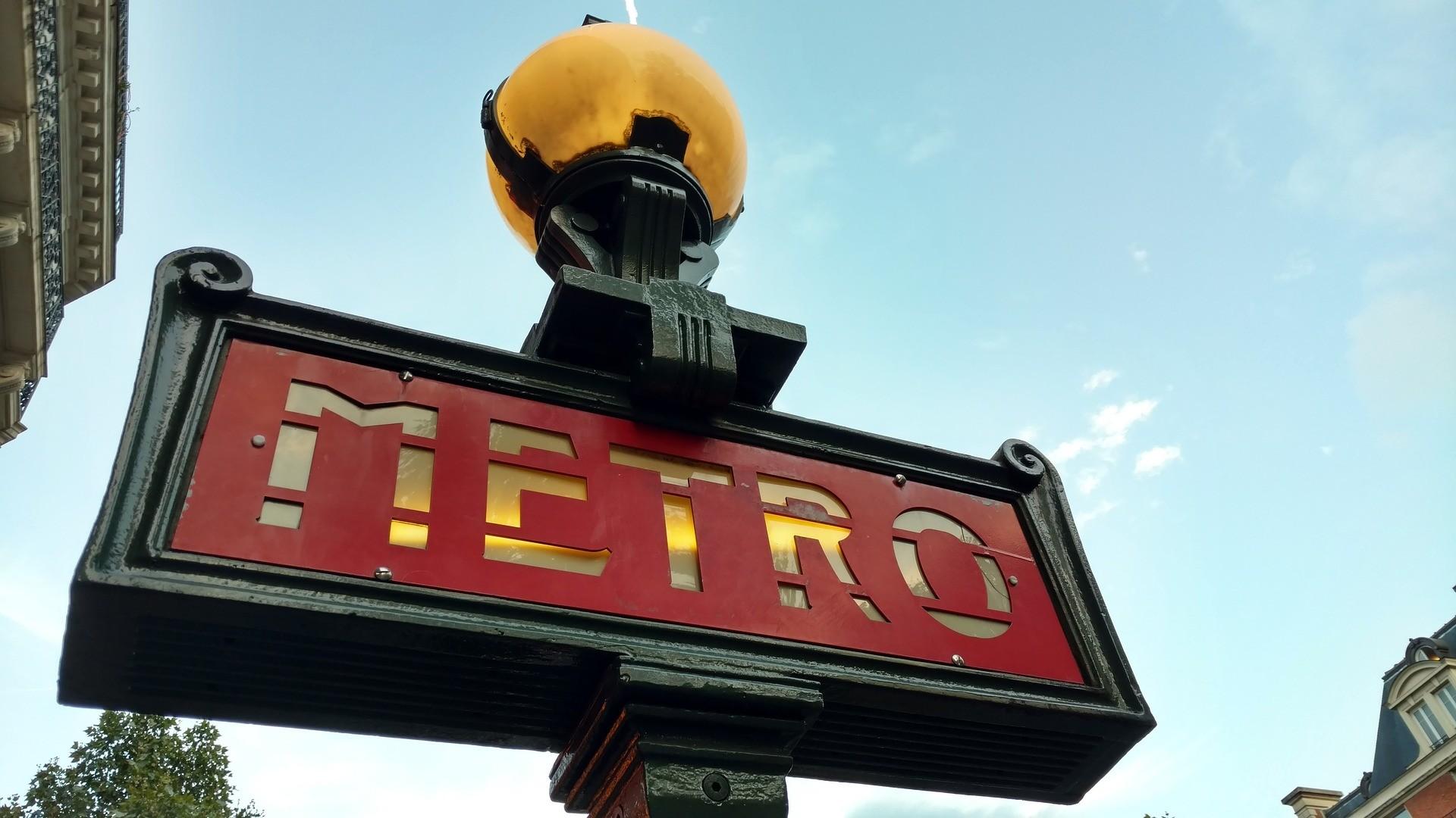 Общественный транспорт в Париже будет бесплатным для жителей до18 лет.