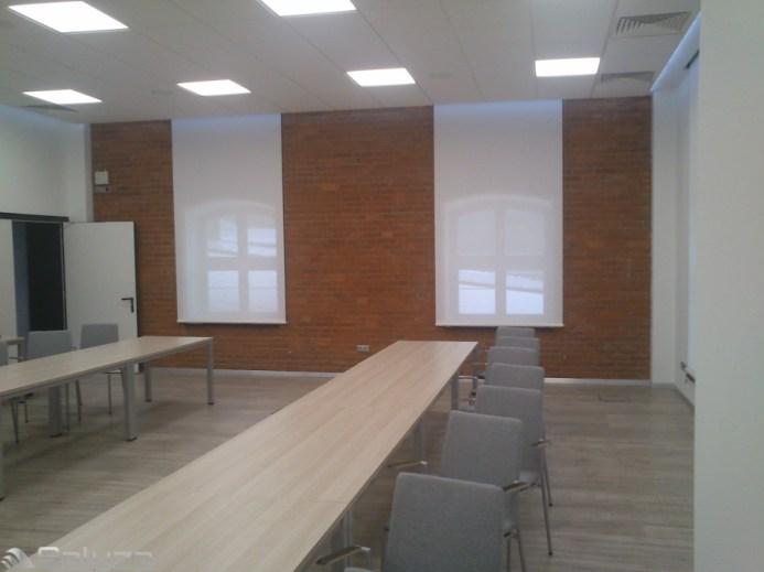 ROLETY TKANINOWE biale sala konferencyjna - saluza.eu