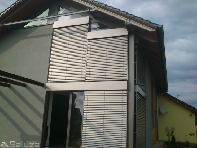 zaluzje c80 ral 9006 w skrzynkach na domu jednorodzinnym - saluza.eu