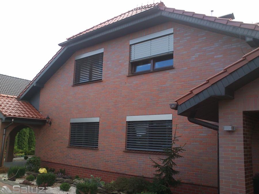 zaluzje fasadowe z90 ral 9006 budynek jednorodzinny - saluza.eu