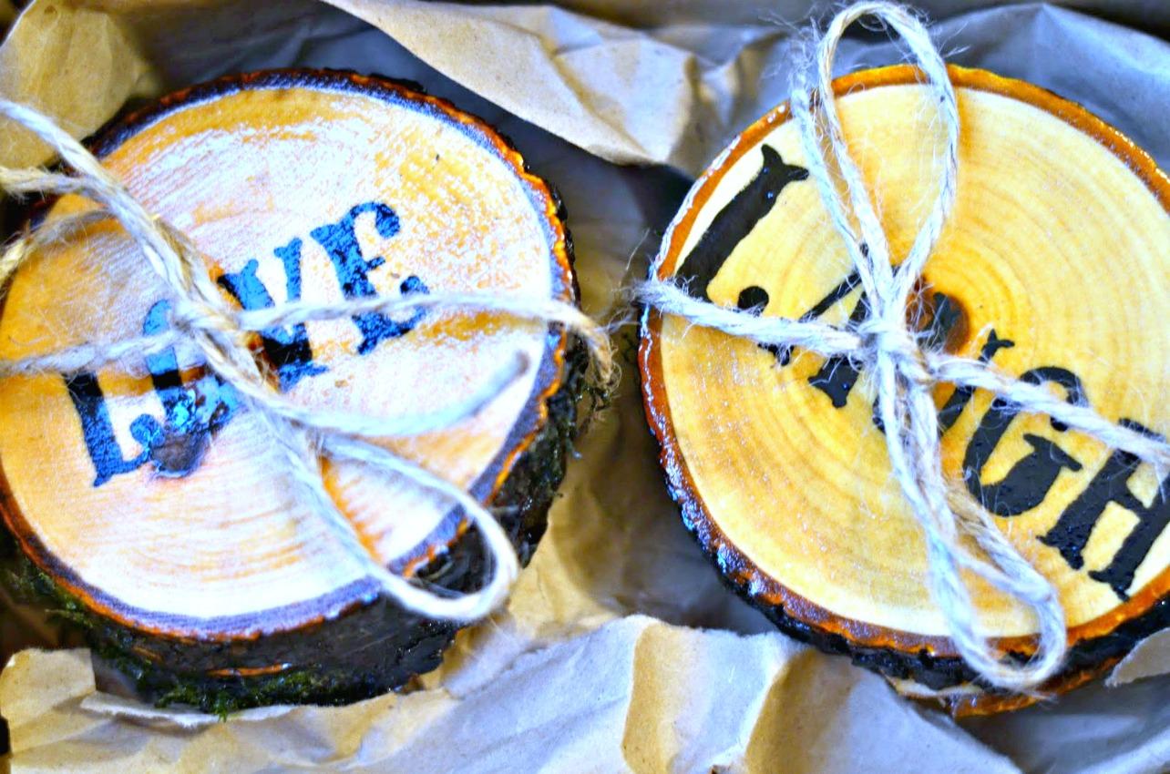 gift idea - diy wood beverage coasters on salvagesisterandmister.com