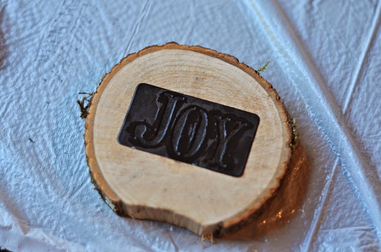 wood beverage coasters stencil on salvagesisterandmister.com