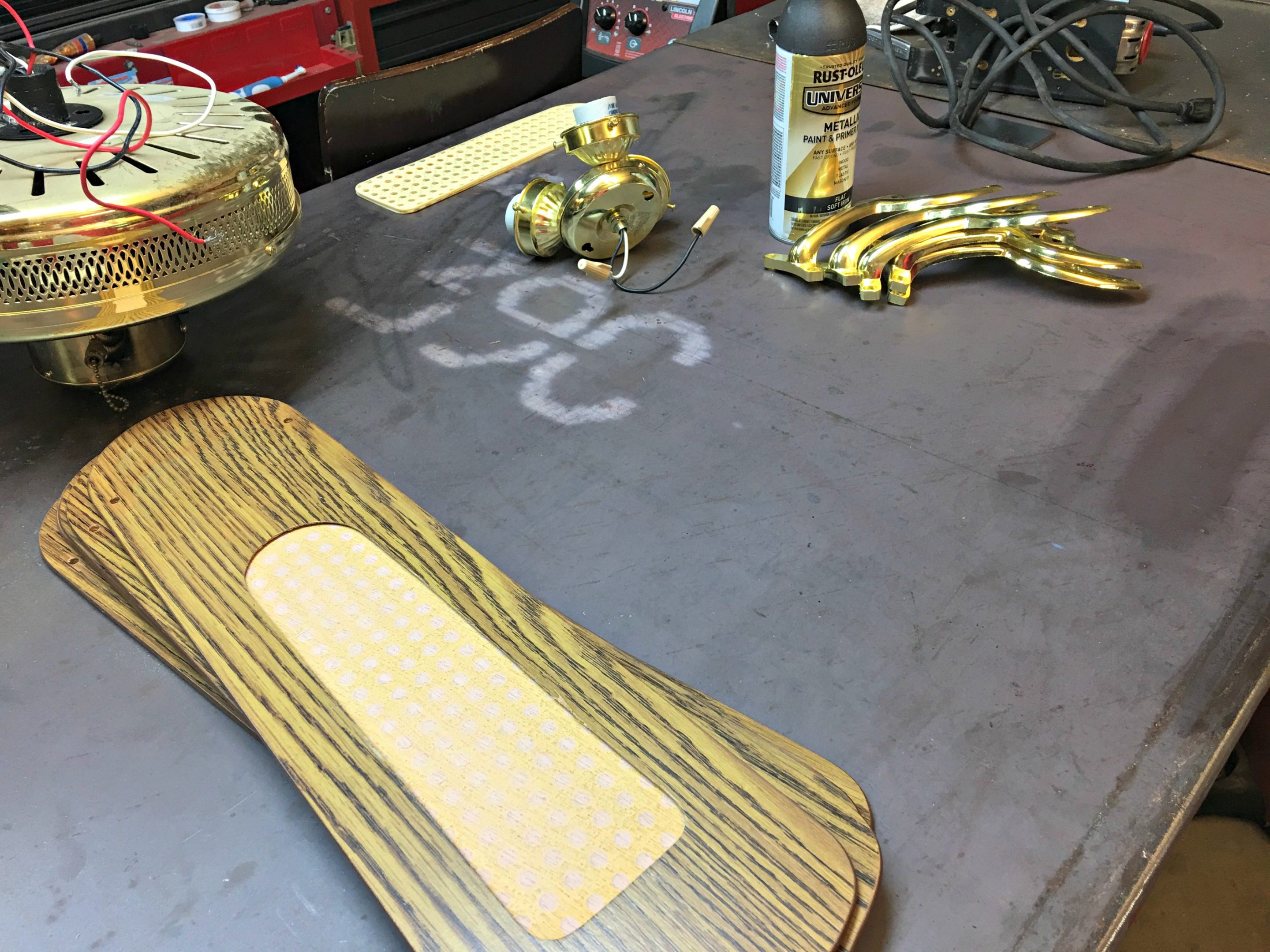 brass ceiling fan makeover before spray painting