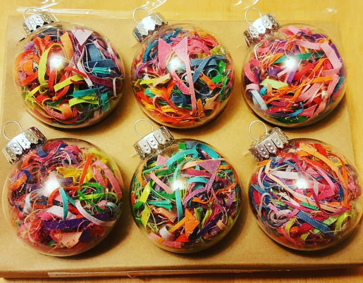 Upcycle Christmas ideas. Here is one to use up leftover fabric scraps. Anyone working with fabric (sewing, quilting, etc) has a ton of fabric leftover from craft projects.