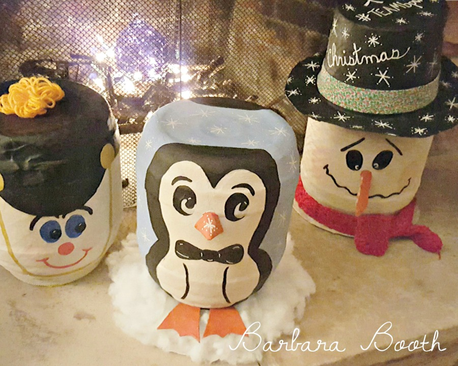 Christmas decor made from large pretzel containers. Upcycle reuse DIy project.