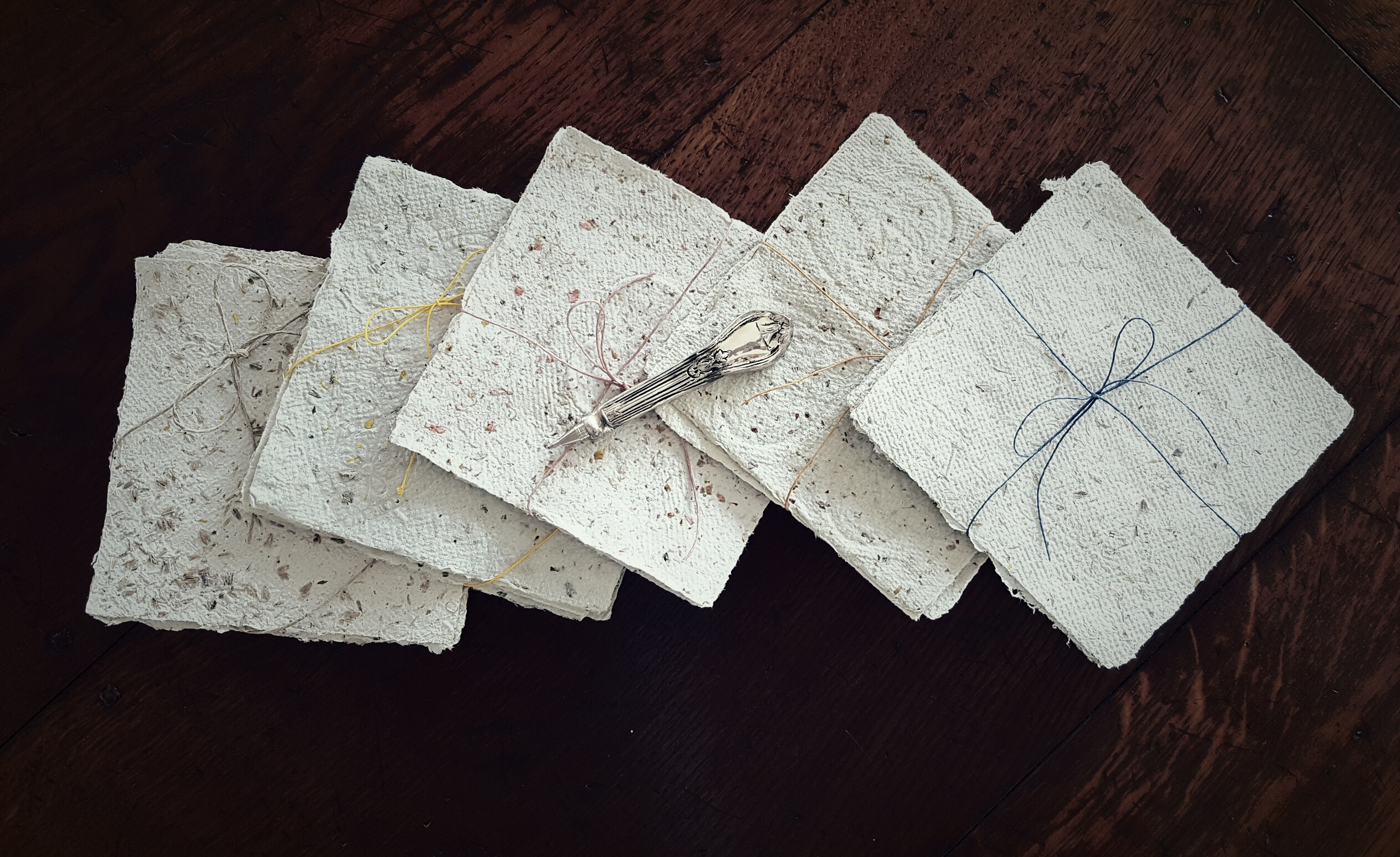 Here's How to Make Handmade Paper from Recycled Materials ... | 1545x2524