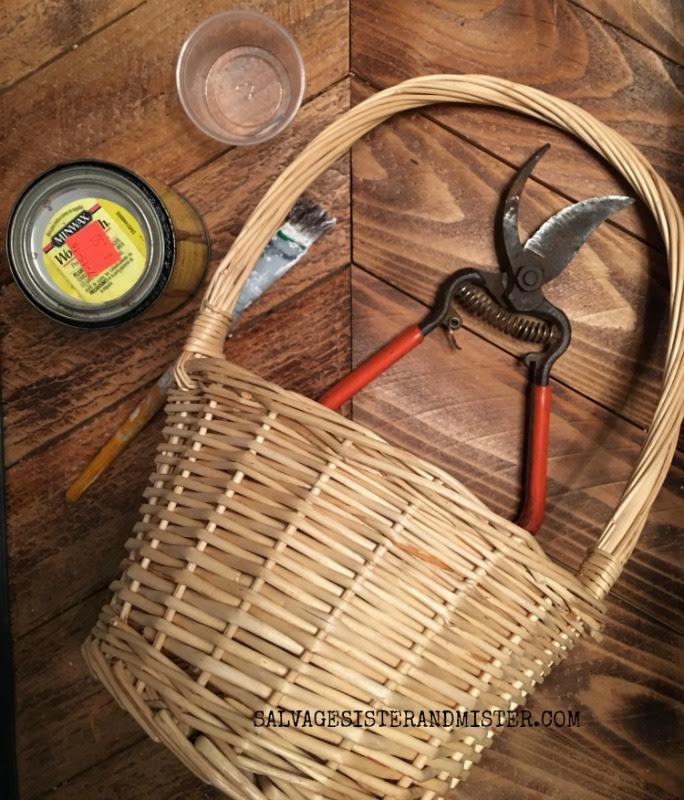 easter basket makeover farmhosue style #easterbasket #reuse