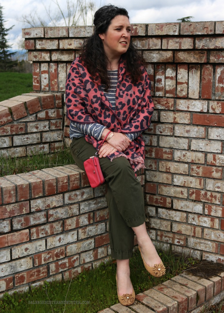 THRIFT STORE FASHION - Using ThredUp largest second hand online shop #secondhandfirst #sponsored