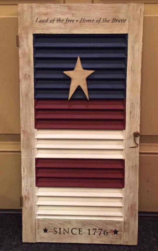 Patriotic Shutter #upccyled #4thofjuly #repurposed