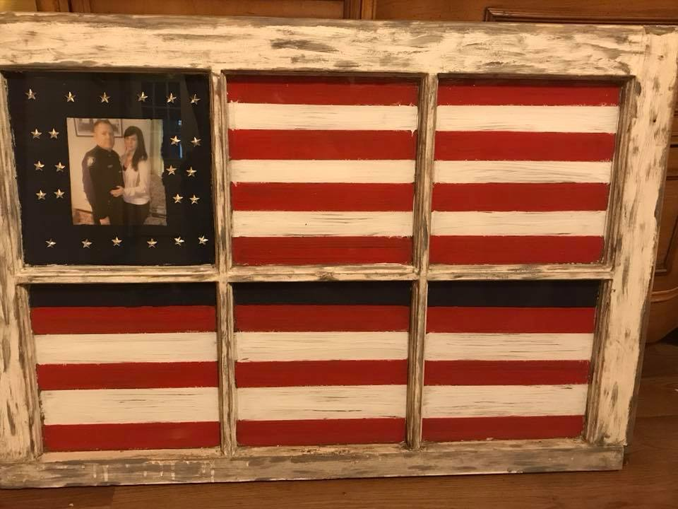 An old window makes for an American flag for a serviceman #americanflag #oldwindow #upcycle #repruposed