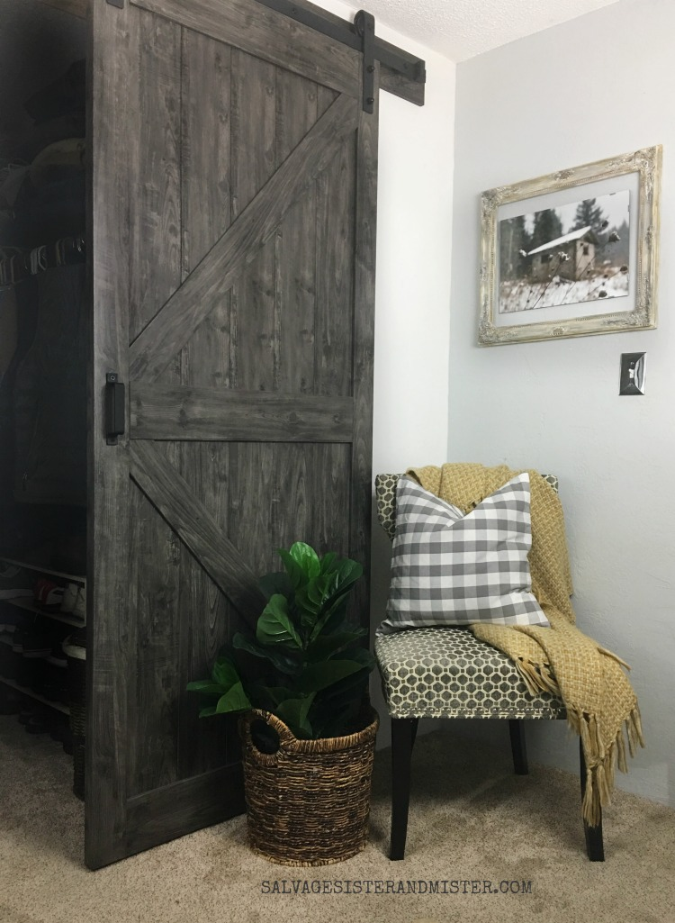 Selecting a barn door for your space #sponsored #farmhousestyle #homedecor