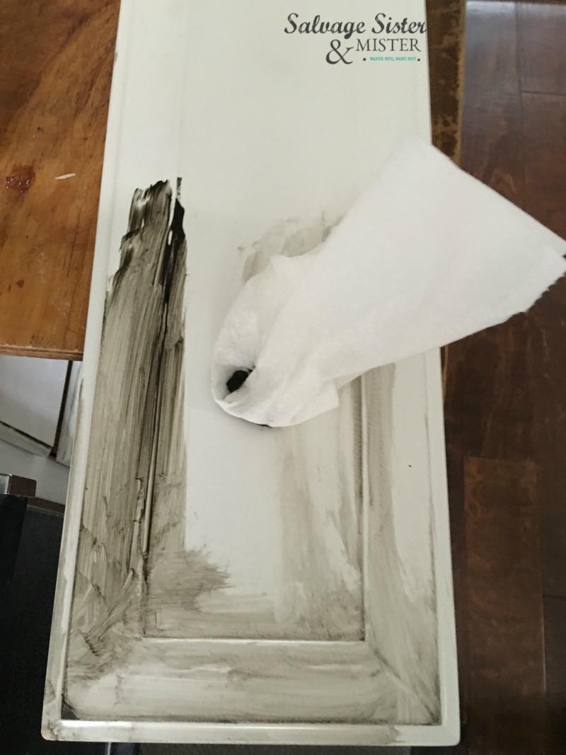 Making a DIY Chrismtas Cabinet Door Sign on salvagesisterandmister.com