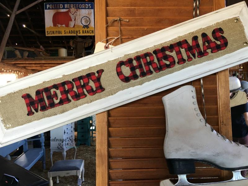 Holiday Craft - DIY Christmas Cabinet Door Sign on salvagesisterandmister.com