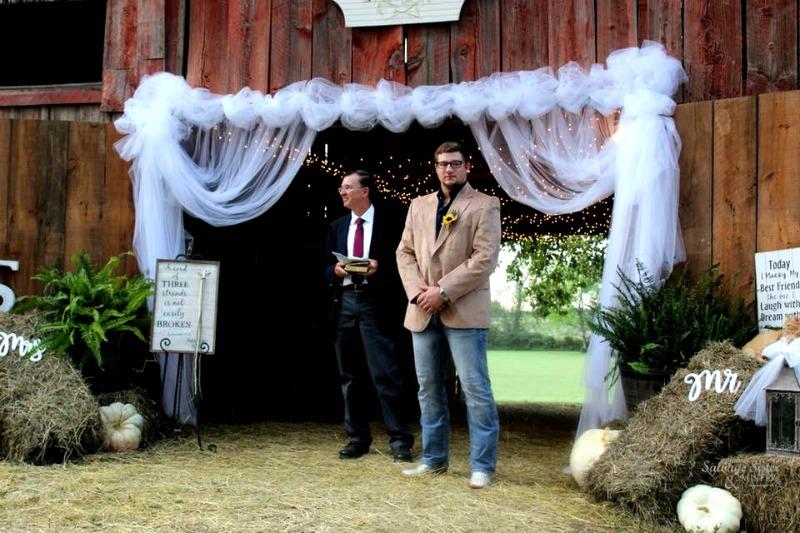 Fall wedding at the farm - backyard barn wedding feature on salvagesisterandmister.com