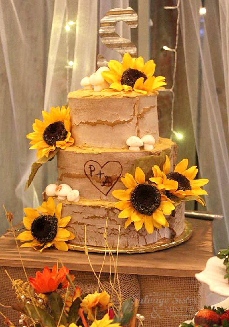 farm wedding - backyard barn wedding cake feature on salvagesisterandmister.com