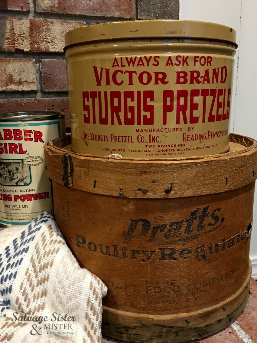 Antique items found thrifting..using these for my vintage mantel decor for my fireplace