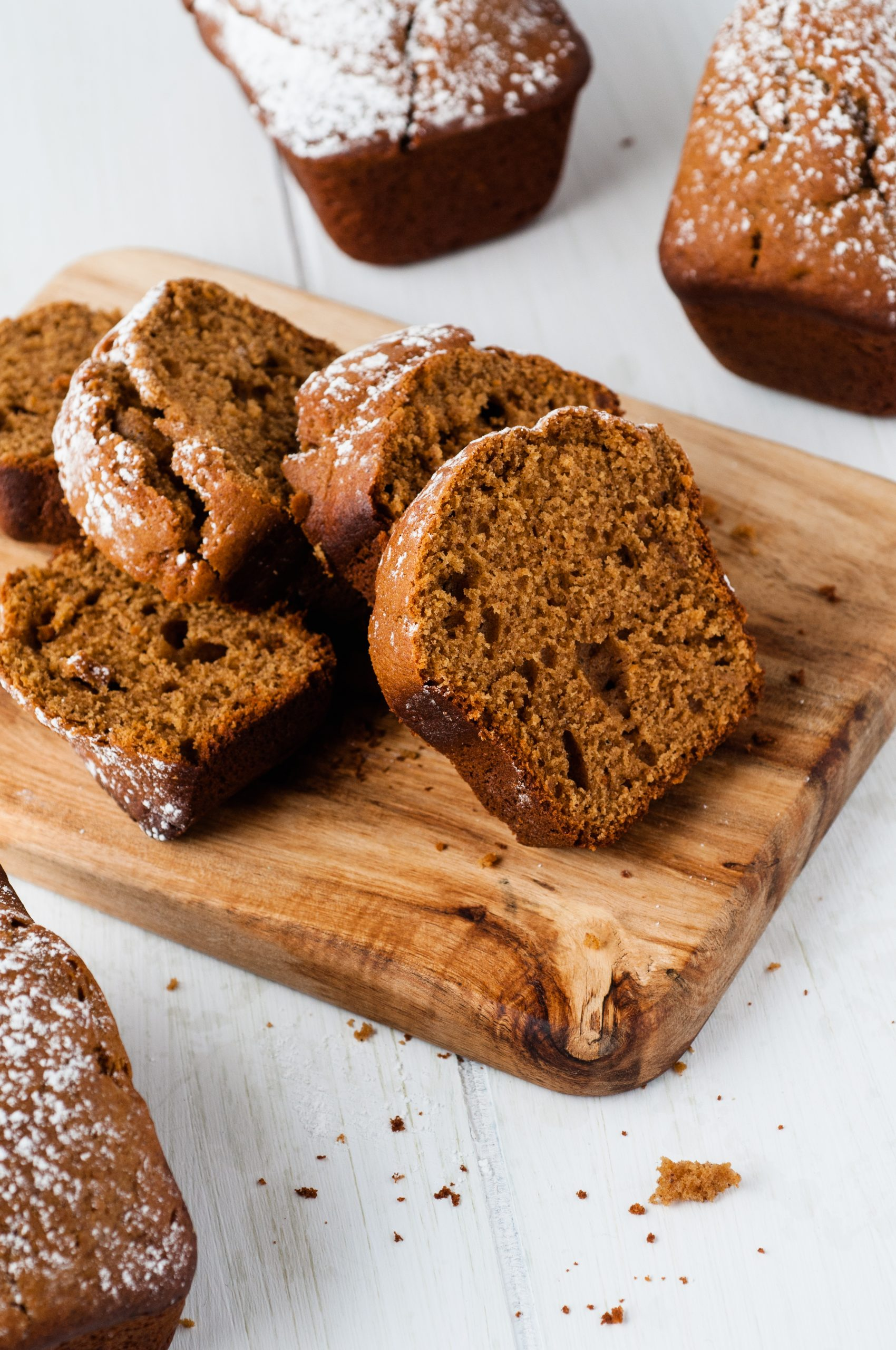 salvage recipe - instead of gingerbread houses that sit around and get tossed, why not make these adorable mini spiced gingerbread loaves. Great for gift giving, snacks, or holiday parties. Get the full recipe at salvagesisterandmister.com