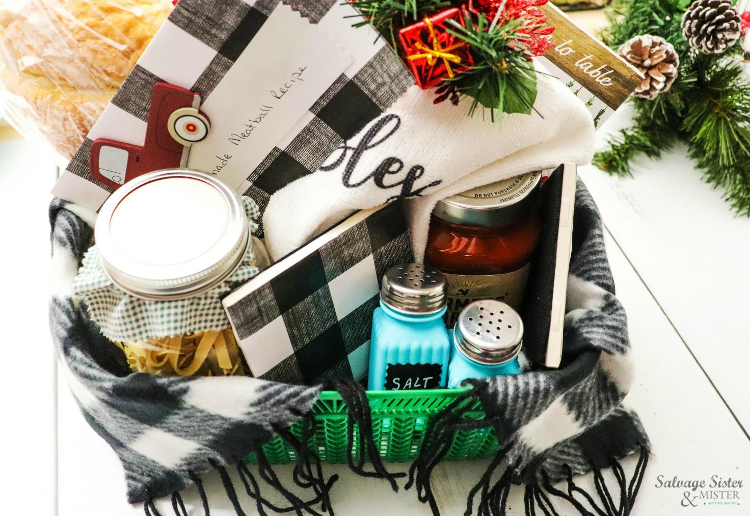 neighbor, teacher, office worker gift idea - Italian dinner gift basket on salvagesisterandmister.com