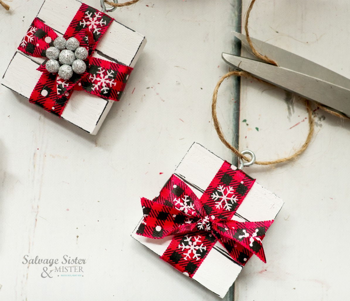 Making Jenga present ornaments - fun holiday craft on salvagesisterandmister.com