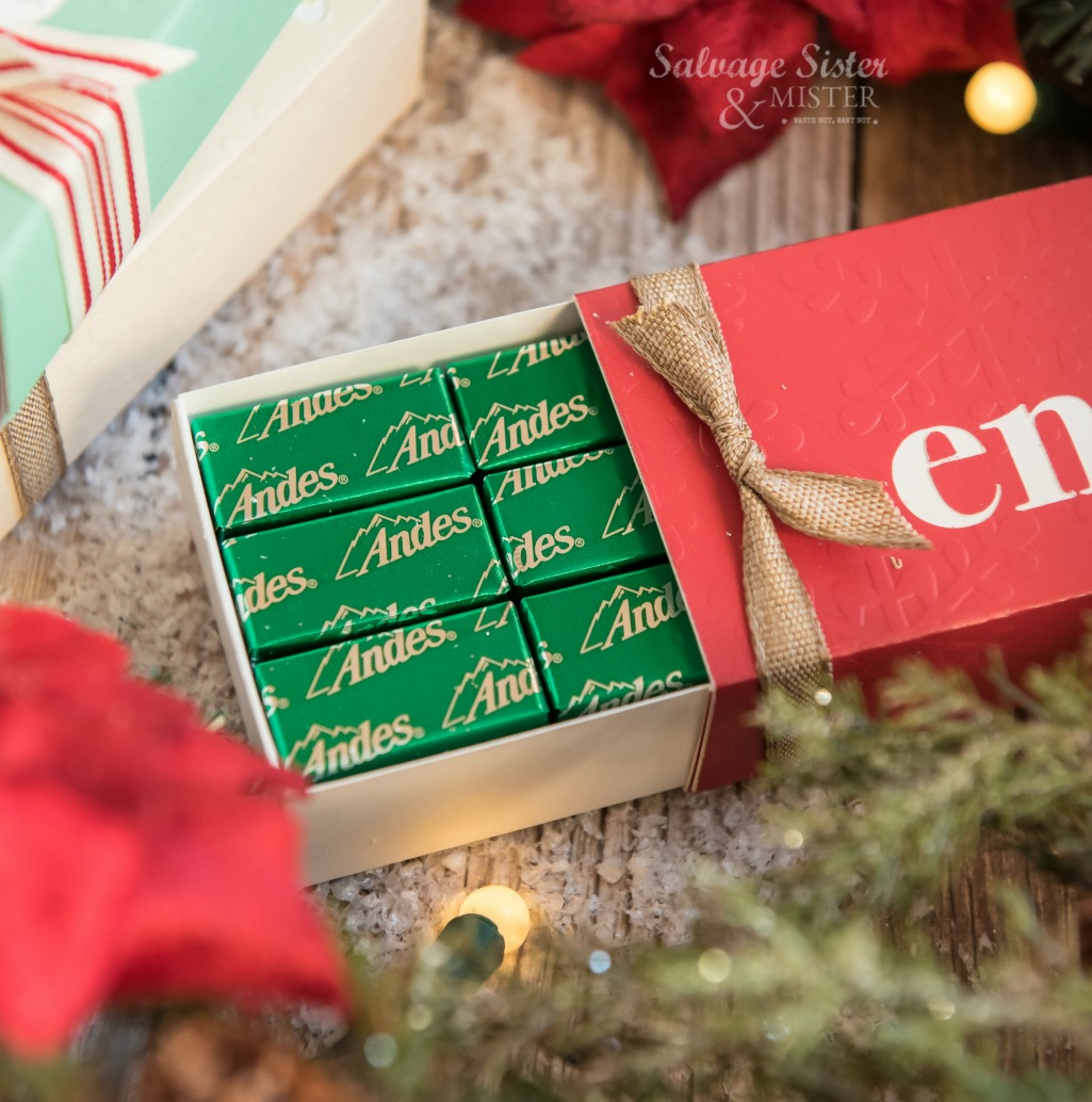 Creating a festive treat box using your Cricut. Perfect handmade gift to give. Attention all paper crafters - this box can be used for other gift occassions to. Find tutorial on salvagesisterandmister.com