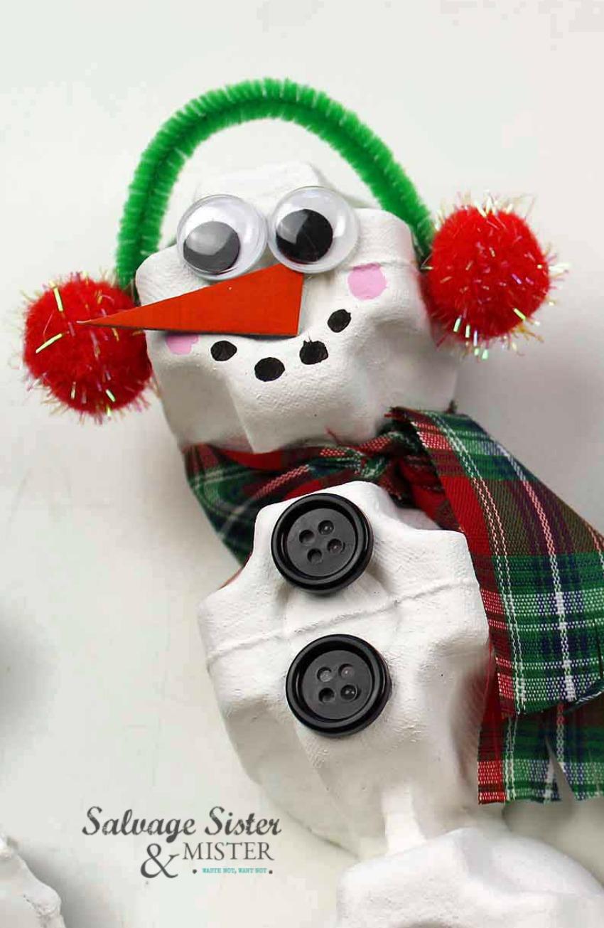Reuse craft on salvagesisterandmister.com egg carton snowman ornament