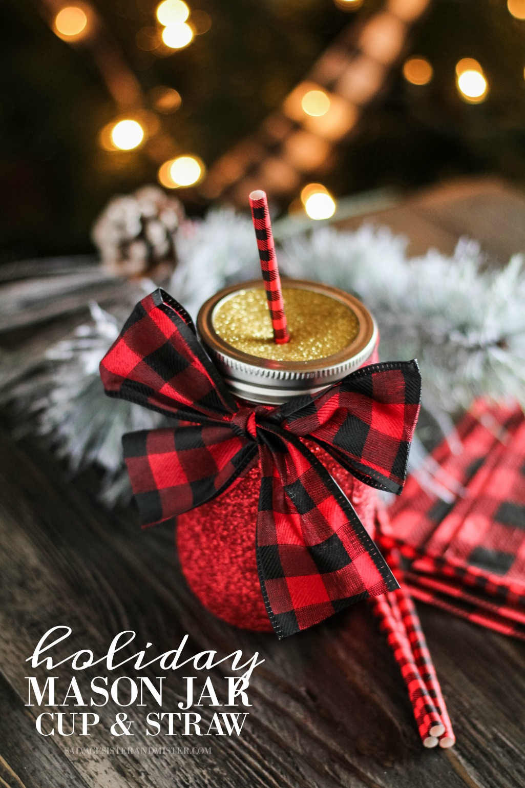 Quick Christmas craft - holiday mason jar drinking cup with dtraw.  This diy project is great to make with a group of friends (think lasies craft night) or to do as a family.  Make them for your Christmas morning breakfast or to give as a gift.  This full tutorial is on salvagesisterandmister.com