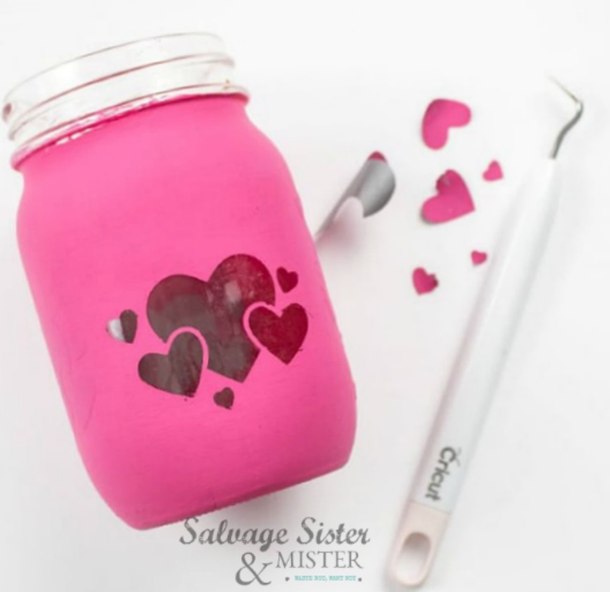 mason jar valentine lantern on salvagesisterandmister.com - Cricut craft