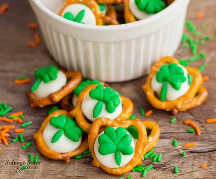 Just in time for St. Patrick's Day are these easy shamrock pretzel snacks for a sweet and salty treat. Find the recipe on salvagesisterandmister.com