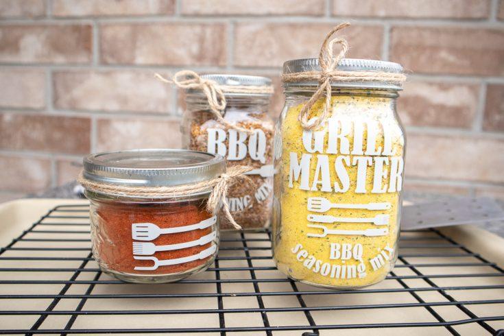 Gift Idea: BBQ Seasoning Mix Jars
