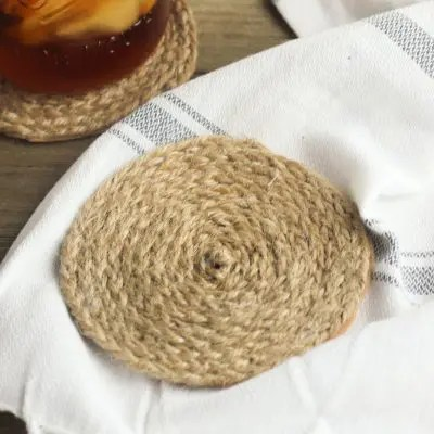 Braided Jute Coasters are the perfect craft for summer.