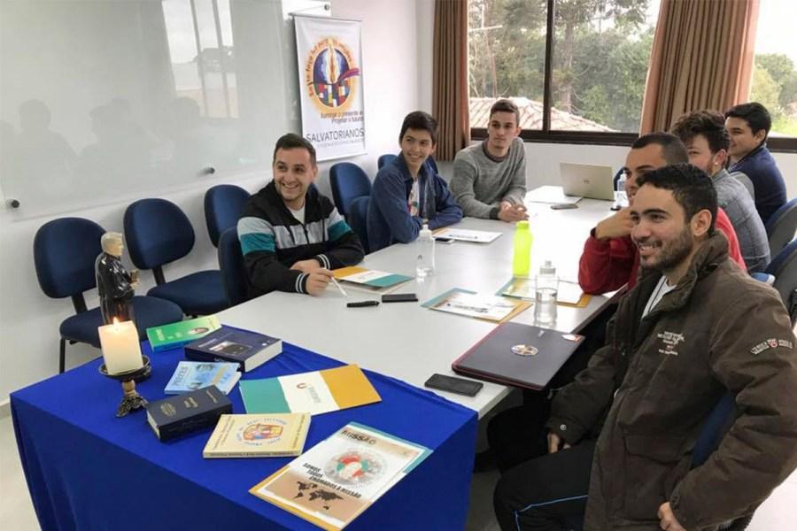 Instituto Pe. Jordan recebe jovens que entrarão no processo formativo salvatoriano