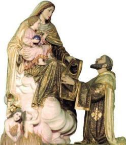 """""""O Escapulário é essencialmente um 'hábito'. Quem o recebe é agregado ou associado num grau mais ou menos íntimo à Ordem do Carmo, dedicada ao serviço da Virgem para o bem de toda a Igreja. (Beato João Paulo II)"""