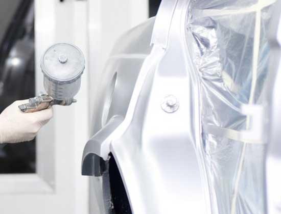 При покраске машины металликом качество распыления имеет огромное значение, поэтому пульверизатор должен быть не из дешевых.