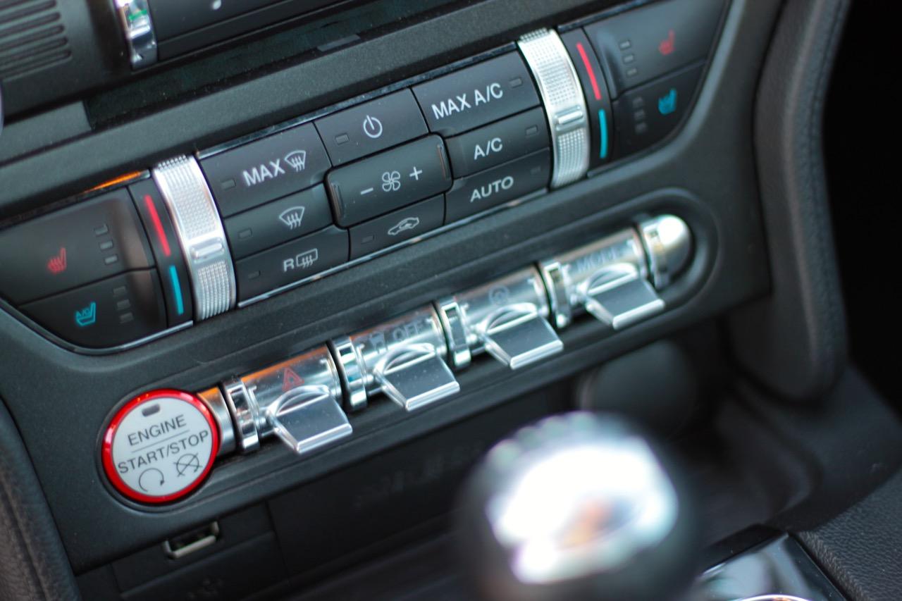 ... Https://i2.wp.com/sam.abuelsamid.com/wp Content/uploads/2015/03/2015  Ford Mustang GT Interior 10?fitu003d1024%2C682u0026sslu003d1 ...