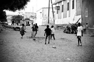 Rue de Pikine, banlieue de Dakar