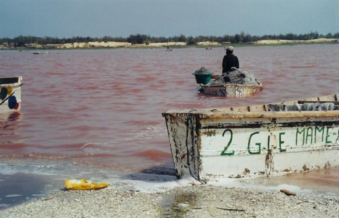 lac-rose-barque