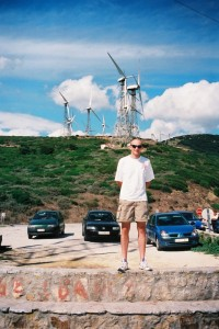 Philou et les éoliennes du mirador del estrecho
