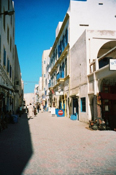ma2002-09-essaouira