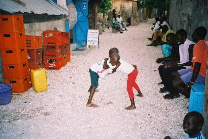 Petits lutteurs de Fadiouth