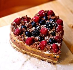 heart shaped raw fruit cake