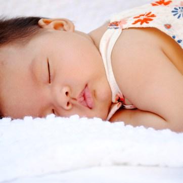 amelia-11-weeks-outdoor-newborn-baby-photography-lake-elsinore_0899